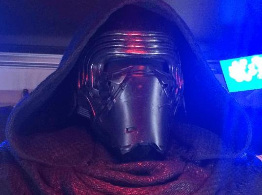 カイロレンのマスク