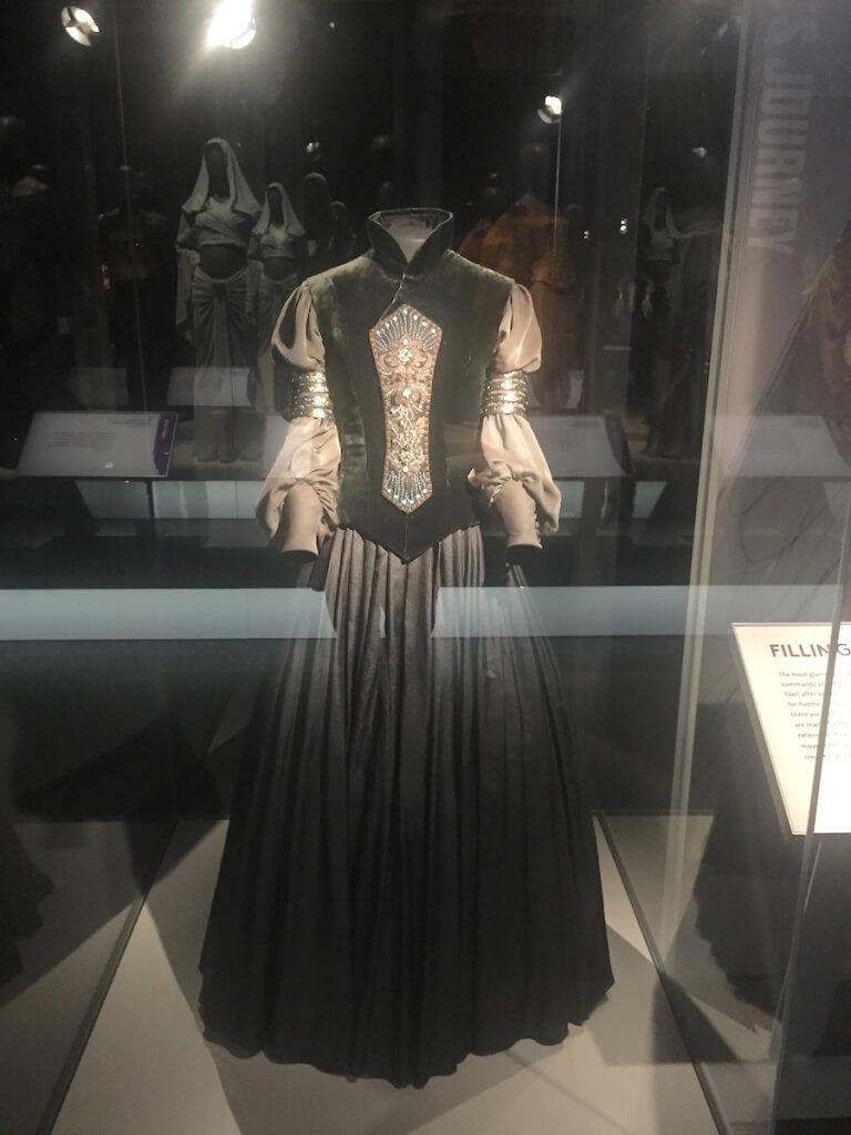 パドメ・アミダラの衣装