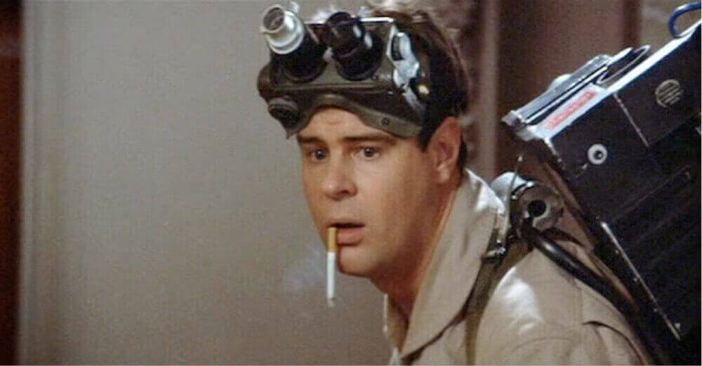 若かりし頃のダン・エイクロイド。 http://www.independent.co.uk/arts-entertainment/films/news/ghostbusters-dan-aykroyd-prasises-reboot-angering-fans-of-the-original-a7057166.html