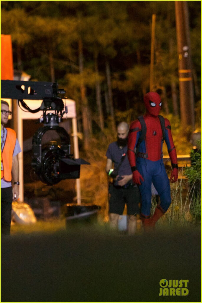tom-holland-spiderman-night-shoots-stunt-note-09