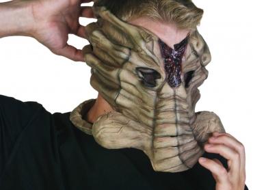 周囲に差をつける『エイリアン』なハロウィン仮装ならコレ!これであなたも立派な宿主、フェイスハガー・マスク