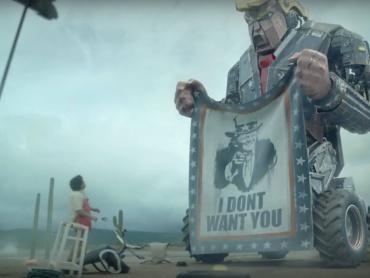 D・トランプが操縦する巨大トランプ型ロボットがメキシコ国境に出現!?風刺満載の衝撃ショートフィルム『M.A.M.O.N.』のクオリティが凄まじい