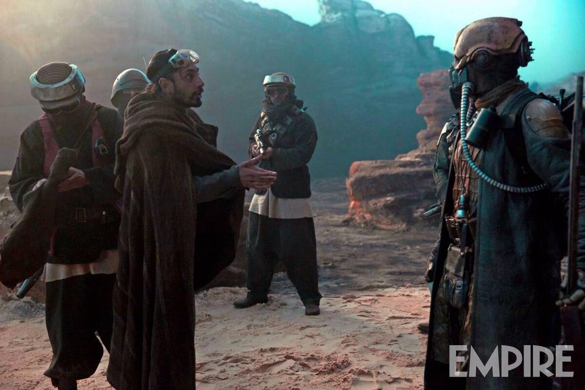 ボーディー・ルック。演じるリズ・アーメッドによると「歴史的事件に突っ込んでいく普通の男」だとか。 http://www.empireonline.com/movies/news/rogue-one-two-exclusive-images-show-bodhi-chirrut-baze/