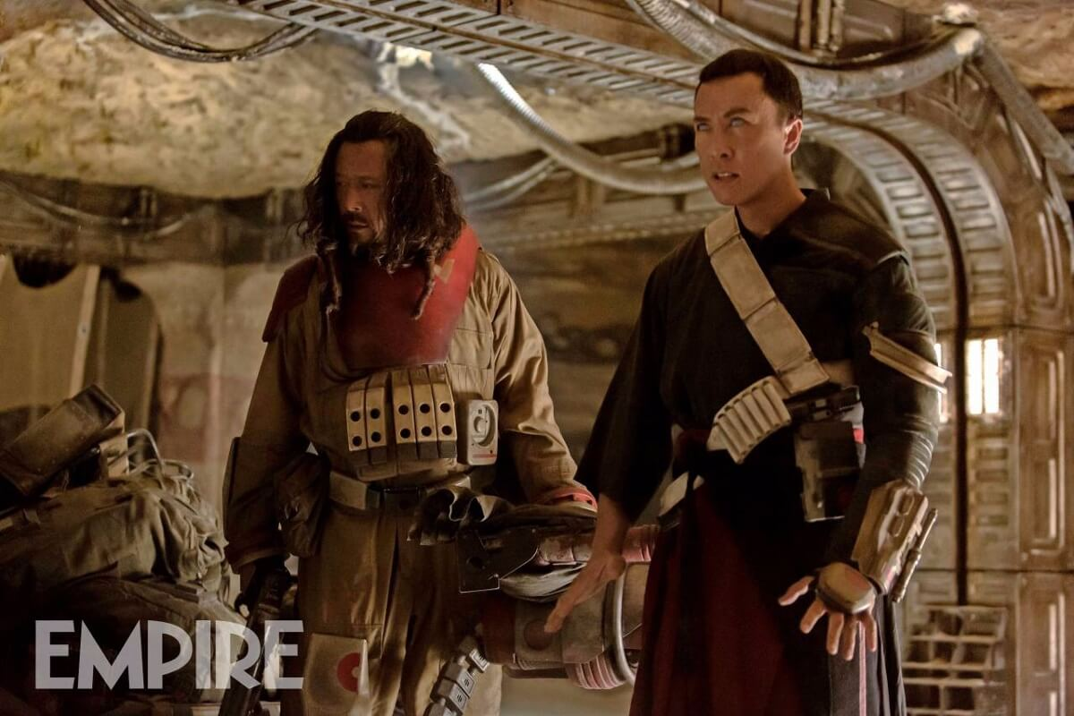 チアルート・イムウェ(ドニー・イェン、右)&ベイズ・マルバス(チアン・ウェン、左) http://www.empireonline.com/movies/news/rogue-one-two-exclusive-images-show-bodhi-chirrut-baze/