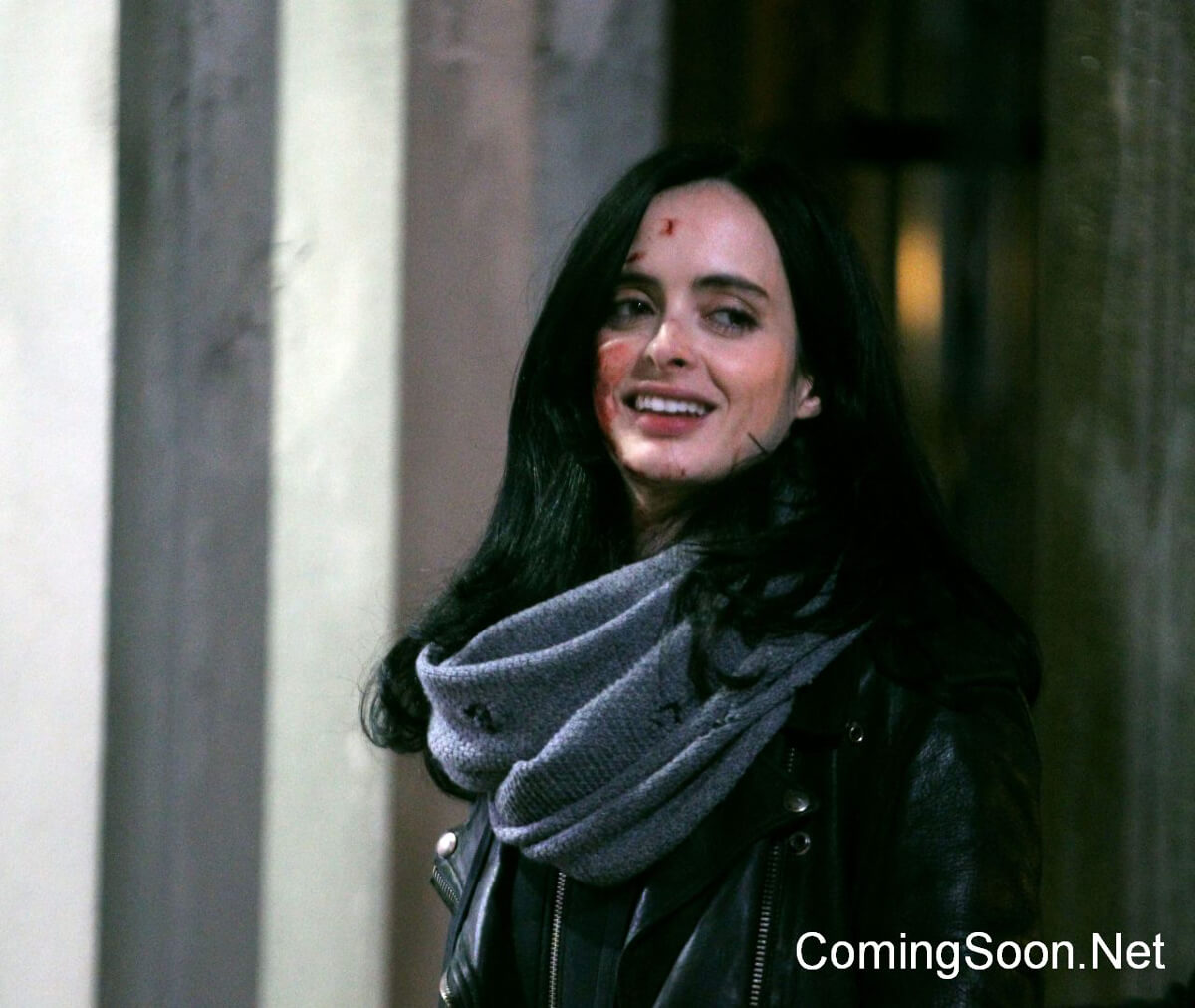 http://www.superherohype.com/news/384969-jessica-jones-meets-misty-knight-in-first-defenders-set-photos#/
