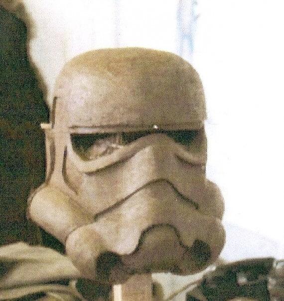 http://www.rspropmasters.com/wp-content/uploads/2014/02/liz_moores_stormtrooper_helmet_sculpt-570x604.jpg