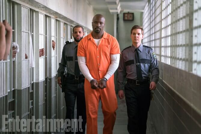 http://ew.com/tv/the-defenders-photos-episodes/mike-colter-as-luke-cage (FINLAY MACKAY FOR EW)