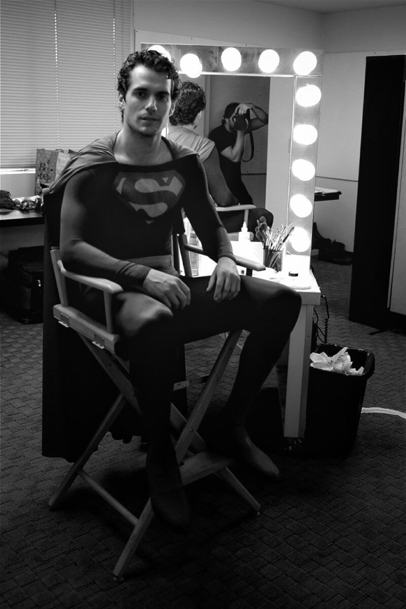 http://batman-news.com/2017/04/07/henry-cavill-christopher-reeve-superman-costume/