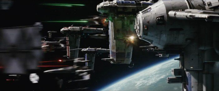 star-wars-the-last-jedi-trailer-21-space-battle-700x293