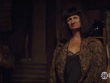 『ツイン・ピークス』新シーズンの邦題は『The Return』、日本放送日も決定!米国最新ティザー映像に登場した謎の女性の正体も判明
