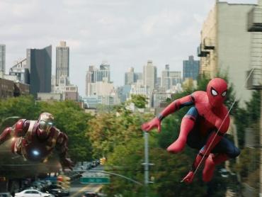 『アベンジャーズ/インフィニティ・ウォー』の新予告解禁日、『スパイダーマン:ホームカミング』劇中で予言されていたのではと話題に
