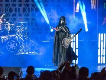 帝国メタルコアバンド『ギャラクティック・エンパイア』、DANGERKIDSと共に初の全米ツアーを開始