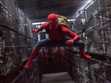スパイダーマン役トム・ホランド『アベンジャーズ/インフィニティ・ウォー』の撮影で、戦う相手を知らされずアクション・シーンに挑む