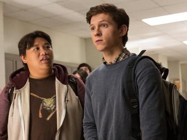 『スパイダーマン:ホームカミング』新たな場面写真解禁!高校生ピーター・パーカー&悪役ヴァルチャーの素顔をチェック!
