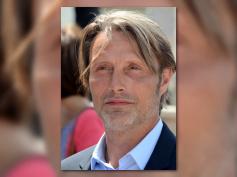 マッツ・ミケルセン、マーベル映画『ドクター・ドゥーム』に興味あり?映画・ドラマの登場人物について持論を語る