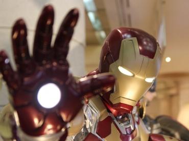 【解説】アイアンマンの新スーツ「ブリーディングエッジアーマー」とは ─ 『インフィニティ・ウォー』で完成する「究極のアイアンマン」