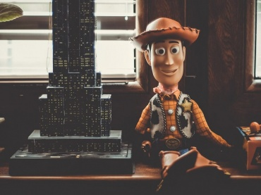 『トイ・ストーリー』監督、セクハラ問題で休職へ!ディズニー/ピクサー幹部に疑惑浮上、『トイ・ストーリー4』スタッフ降板も発覚