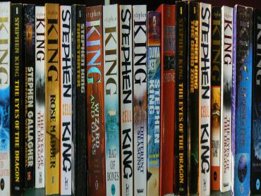 スティーヴン・キング『シャイニング』続編小説、映画化へ!監督は『ジェラルドのゲーム』ほかホラー映画の新鋭