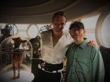 『スター・ウォーズ』ポール・ベタニー、既に『ハン・ソロ』の撮影を完了 ─ ボバ・フェットらしき影写り込む