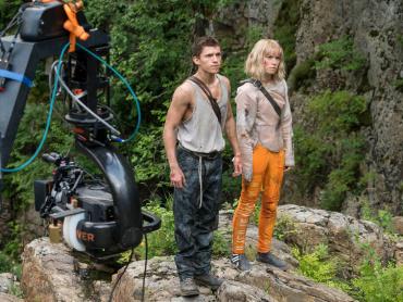 トム・ホランド&デイジー・リドリー出演『カオス・ウォーキング』製作快調!撮影現場写真が米国にて公開