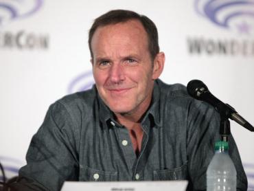 アベンジャーズはS.H.I.E.L.D.フィル・コールソンの生存を認識するか?『エージェント・オブ・シールド』出演俳優が語る