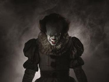"""『IT/イット """"それ""""が見えたら、終わり。』はなぜ怖い?原作小説の魅力、R指定の理由を脚本家が語る"""