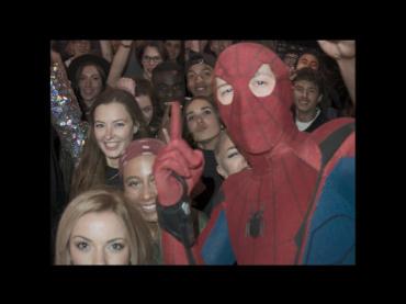 【動画】スパイディ、調子に乗る ─ 『スパイダーマン:ホームカミング』冒頭スマホ映像の完全版が公開、女の子と吊り橋効果バッチリスイング