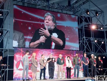 「東京コミコン2017」開幕 ─ オープニングステージに豪華ゲストいきなり集結、本気鏡開きで酒スプラッシュ