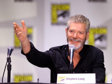 極限スリラー『ドント・ブリーズ』続編の製作が進行中 ― 老人役スティーブン・ラングが明かす