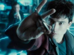 DC『フラッシュ』単独映画、撮影延期に ― 脚本遅延、『ファンタスティック・ビースト』撮影のため