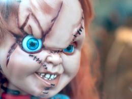 リブート版映画『チャイルド・プレイ』新チャッキーのビジュアルが米国で公開される ― 撮影開始、主要出演者も発表