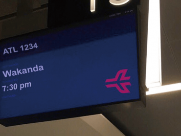 アトランタ空港、案内板に『ブラックパンサー』ワカンダ行を表示させ話題に ─ このユーモアにアトランタ市長は…?