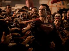 ヘンリー・カヴィル、スーパーマン役を卒業か ─ 米報道 マネージャー、ワーナーは否定的、ヘンリーも反応