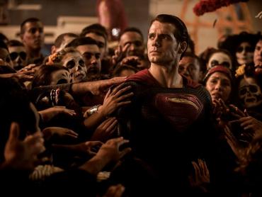 『バットマン vs スーパーマン』スーパーマンのダークすぎる削除シーン、撮影されていた ― 撮影監督、DC映画再登板は「ないと思う」