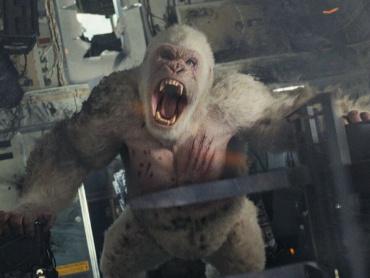 巨大化ってレベルじゃねえぞ!『ランペイジ 巨獣大乱闘』巨獣3体のスペックが解禁に ― 対するは霊長類学者ドウェイン・ジョンソン