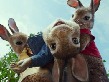実写映画『ピーターラビット』特別映像「ミュージカル編」が公開に ─ 歌って踊るウサギたち、可愛すぎ…!